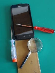 Smartphone-Reparatur © Paul Bock