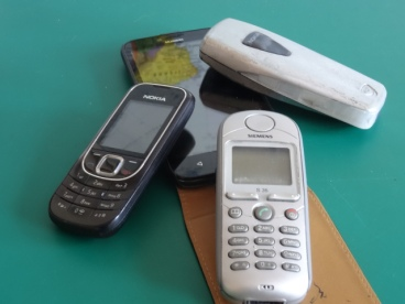 Handys und Smartphone © Paul Bock