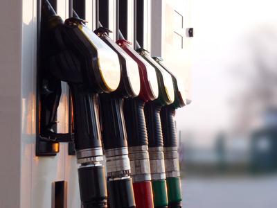 Treibstoff-Zapfhähne by Rainer Sturm - pixelio.de