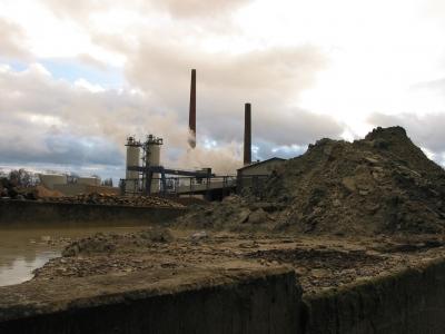 Industrieschlote_R_K_by_stummi123_pixelio.de