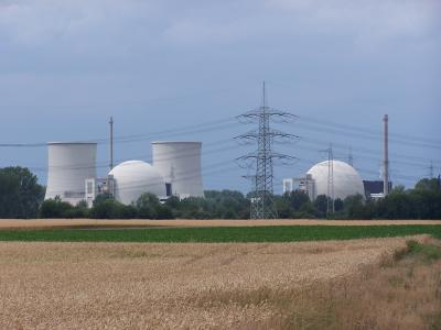 Atomkraftwerk Biblis_R_K_B_by_setcookie_pixelio.de